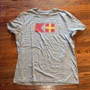 Never worn banana republic t shirt
